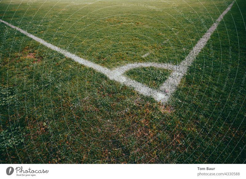 corner of a football field Playing Leisure and hobbies Day Stadium Sporting event Deserted Green Grass surface Lawn Line Sports Training Playing field Meadow