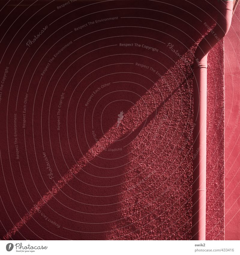 pigment accumulation Manmade structures Building Vacation home Wall (barrier) Wall (building) Facade Eaves Rendered facade Corner Sharp-edged Simple Dry Pink