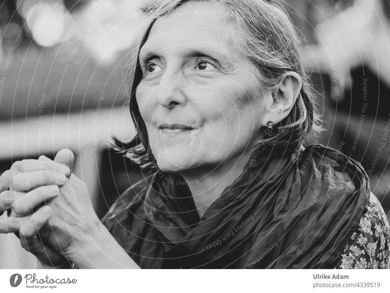 Parktour HH 2021 ------ Sehnsucht - Proud woman looks into the distance Black & white photo Woman portrait Feminine Face pray Pride Adults Looking pretty