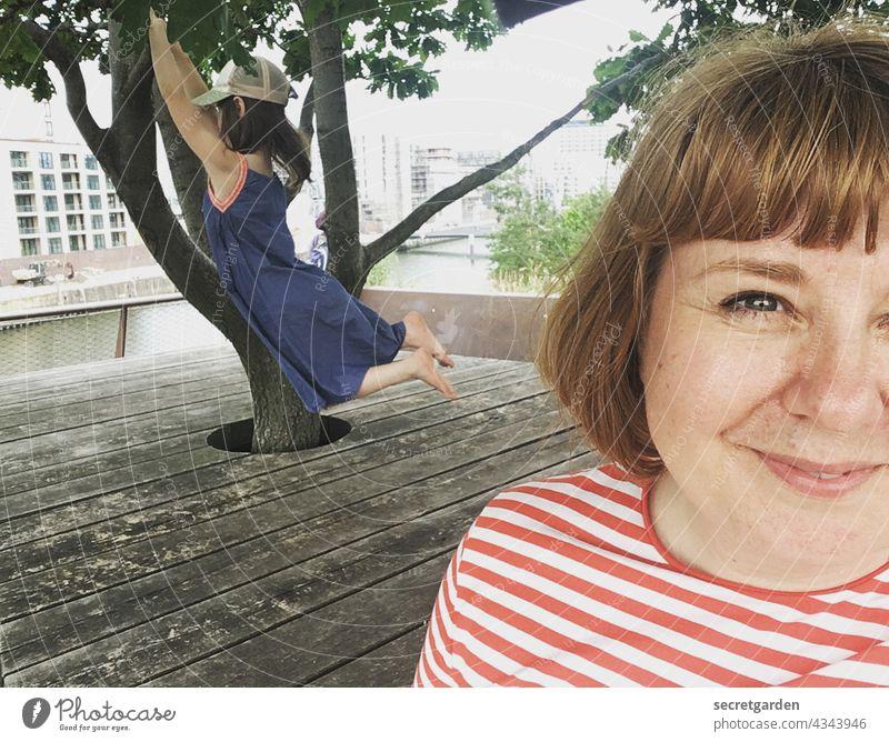 [PARKTOUR HH 2021] Selfie with Nike :-) Face Woman Child Joy Joie de vivre (Vitality) portrait Happy Happiness Smiling pretty Adults Exterior shot Cute Playing