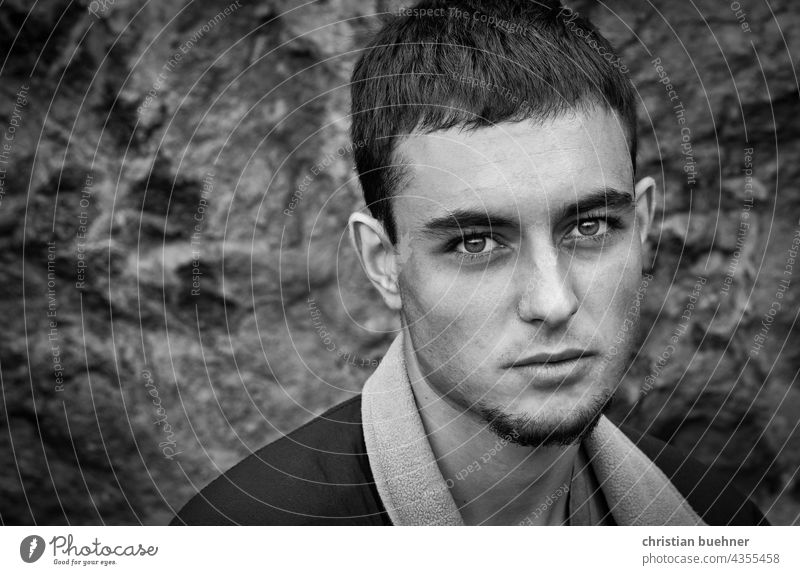 portrait of a young man in black and white 20years teenager Boy (child) Man eyes pretty interesting Expression Artist Musician sad Intensive wistfully Romatic