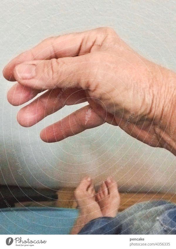 das hat hand und fuß Mensch Hand Fuß Nahaufnahme Detail Innenaufnahme Sprichwort Finger rechts Füsse