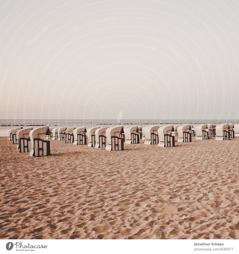 Beach Cordbarmee I Environment Landscape Esthetic Pattern Many Beach chair Walk on the beach Sky Right Crowd of people Red Expressionless Deserted Empty Middle