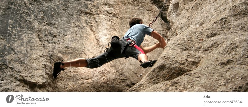 Man Stone Rope Rock Climbing To fall Sudden fall Sports Checkmark Extreme sports Climbing rope