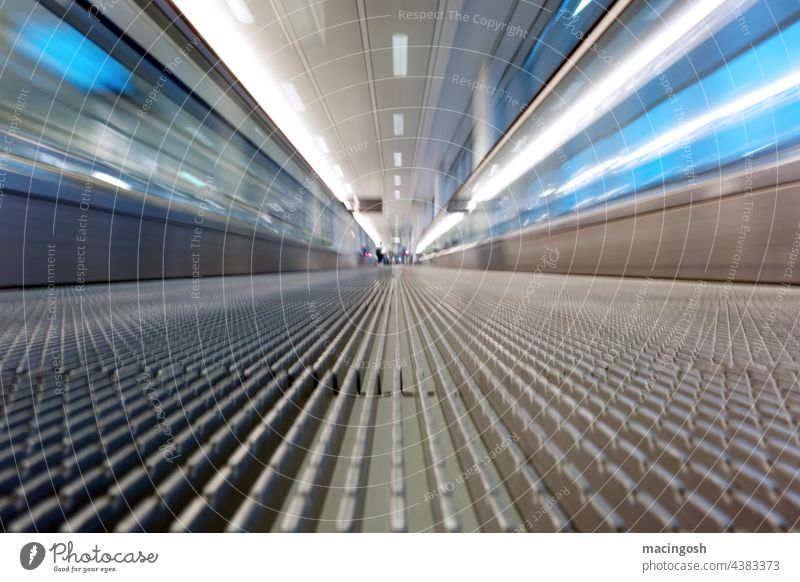 Passenger conveyor belt at the airport (detail) vanishing point perspective Vanishing point Escape Lateness Tunnel vision time pressure Hurry Travel photography