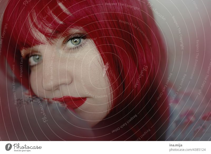Portrait of a redheaded woman Sadness Red-haired frown Bangs Human being Feminine Hair and hairstyles Adults Young woman portrait Long-haired pretty Face Woman