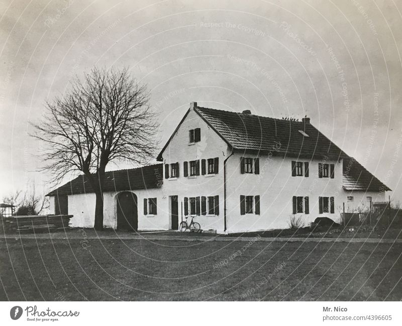 Müllerhaus House (Residential Structure) Building Architecture farmstead Old Idyll Farm Rural Village residential building Window Deserted Historic 20s