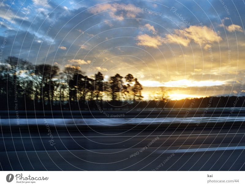 CarClouds01 Motion blur Style Photographic technology Landscape Speed Motoring Cloud formation Visual spectacle Sunlight