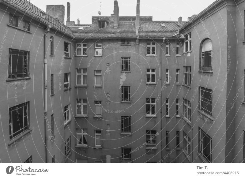 an old backyard in Prenzlauer Berg Backyard Interior courtyard Town Deserted Capital city Berlin House (Residential Structure) Old town Day Downtown
