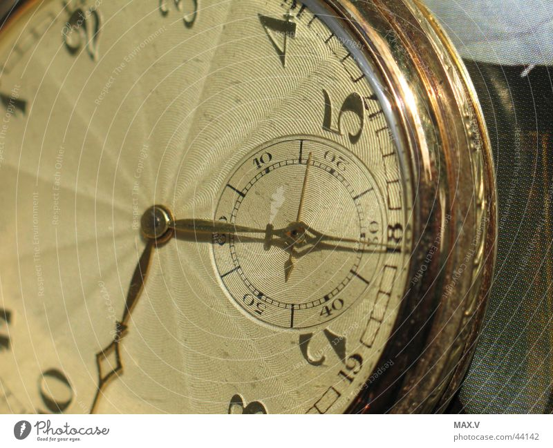 Dark Graffiti Bright Metal Wait Gold Time Technology Feather Clock Division Silver Beat Agitated Watch mechanism Offense
