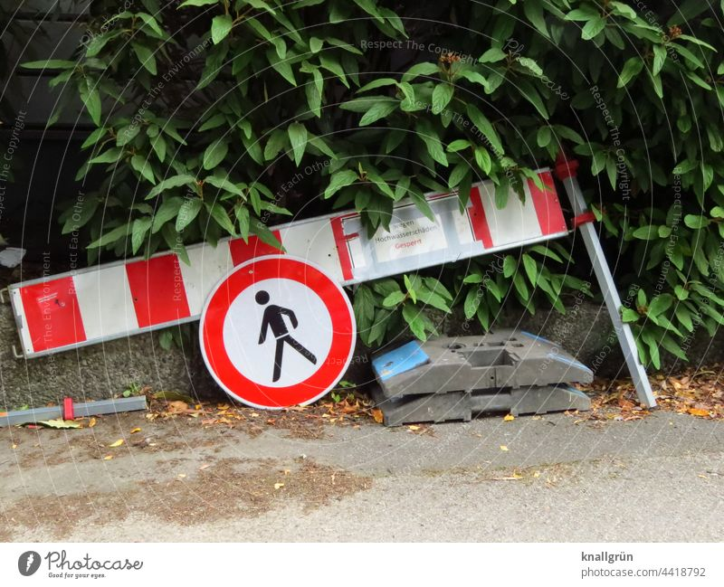 After the flood Road sign Signs and labeling Signage Warning sign Exterior shot Colour photo Traffic infrastructure Safety Day Road traffic Lanes & trails