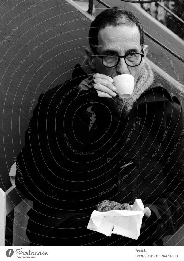 Cold coffee Man Eyeglasses Sit Winter Scarf Bench Jacket Cycling gloves Croissant Drinking Break corona lockdown bench