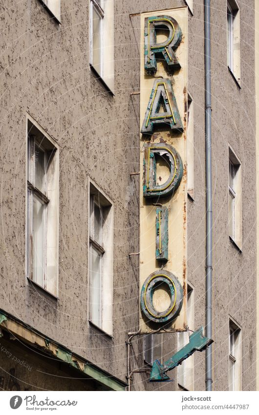 Radio and the ravages of time Signs and labeling Facade Authentic Music Radio (broadcasting) Old Window Characters Past Nostalgia Lightbox Style Services