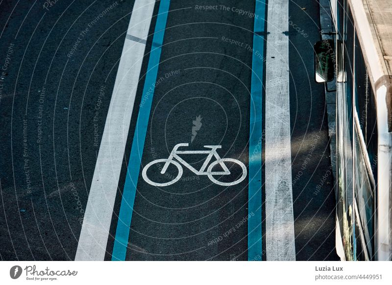 Bicycle lane from above, on the side is an old bus Cycle path Lane markings lines Street Stripe Blue White Direct Vehicle park Parking Mirror exterior mirrors
