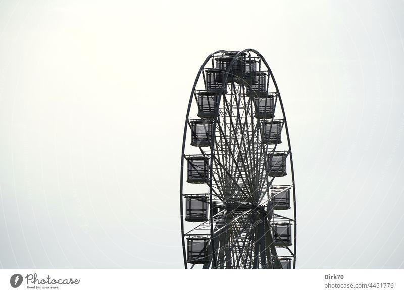 Ferris wheel in Lucija, Slovenia hustle and bustle Empty Round spoke wheel Fairs & Carnivals Tall Sky Joy Leisure and hobbies Infancy Rotate Theme-park rides
