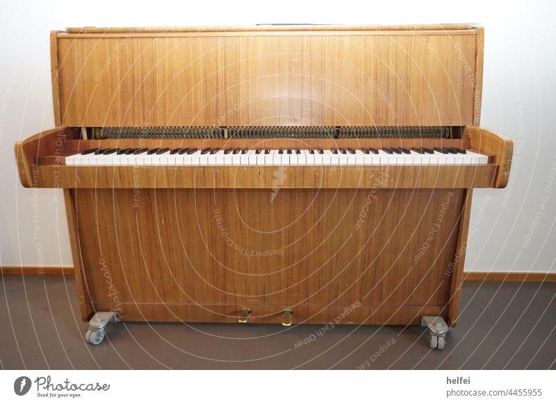 Organ in a small hospital chapel Piano Keyboard instrument Musical instrument Play piano tool Artist E-piano keyboard instrument knob Concert Interior shot