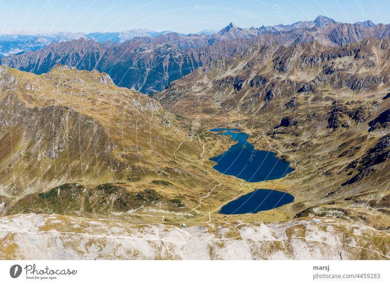 Giglachseen lakes in autumn. In the background Höchststein and Hochwildstelle. giglax lake Giglachalm Wanderherbst Hiking mountainous mountain lake Landscape
