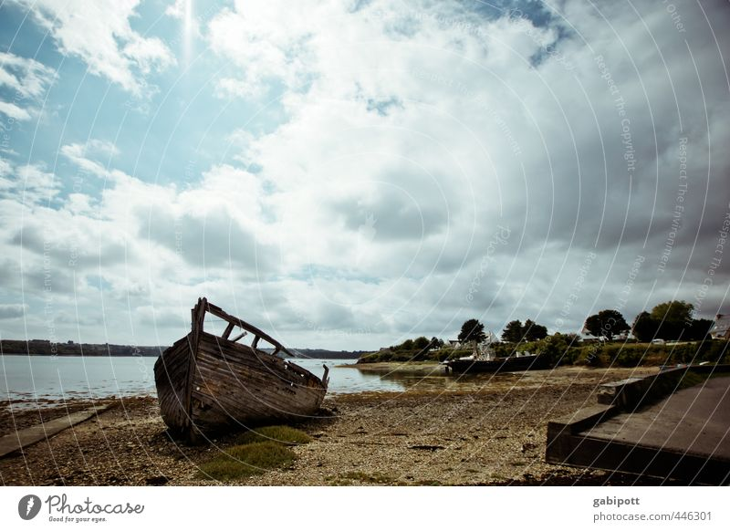 Breton wreck Nature Landscape Elements Sky Clouds Summer Climate Beautiful weather Coast Beach Bay Ocean Brittany Village Fishing village Stagnating Moody