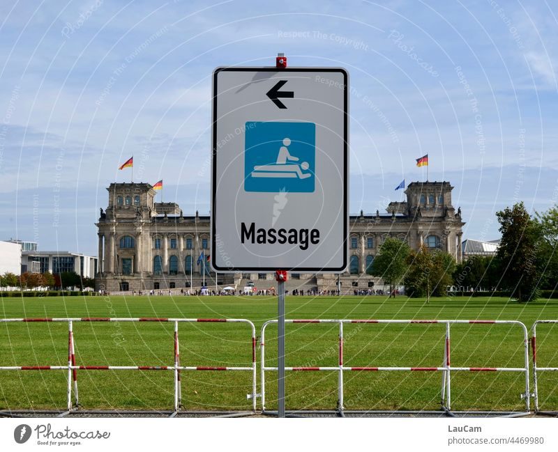Central Relaxation? - Massage in the Reichstag policy Government relaxation Seat of government Berlin Capital city Parliament Sounding Exploratory talks