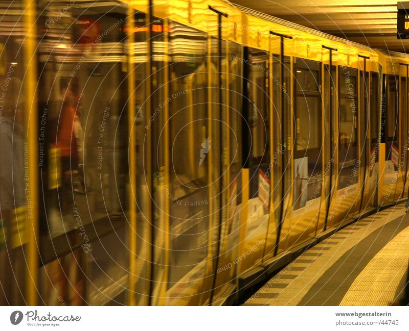 City Yellow Berlin Transport Station Underground Alexanderplatz Pankow