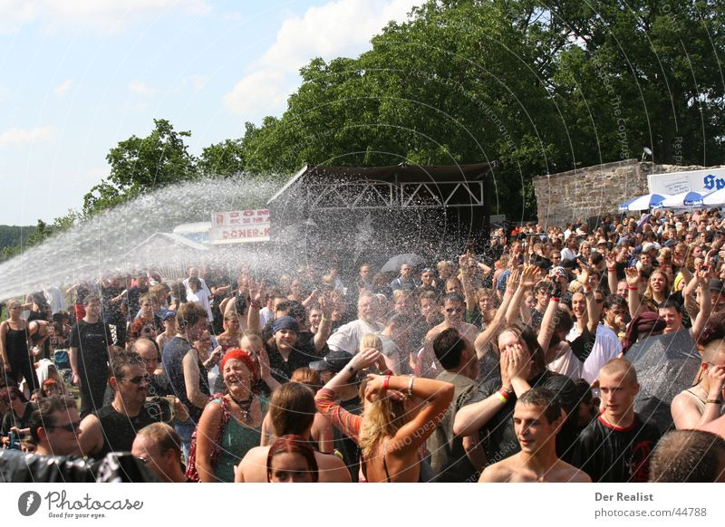 Human being Water Cold Group Warmth Physics Hot Thirst Music festival Refrigeration Bavaria Abenberg