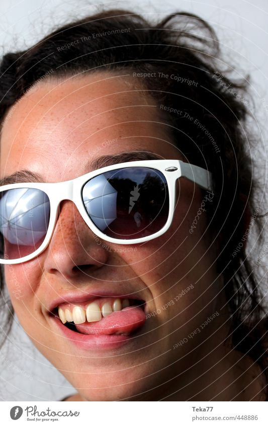 Well 3 Style Summer Human being Young woman Youth (Young adults) Woman Adults 1 18 - 30 years Fashion Sunglasses Exotic Rebellious Crazy Emotions Joy Happy