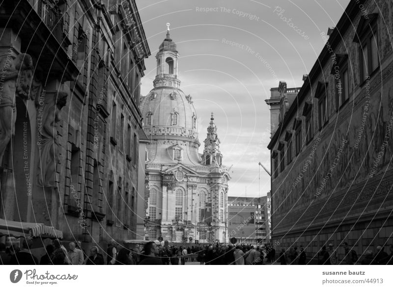 Light & Shadow Black White Dresden Historic Building House (Residential Structure) Church Manmade structures Architecture Frauenkirche