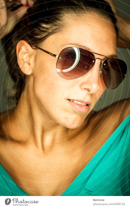 sunglasses II Woman Human being Portrait photograph Sunglasses Close-up Looking into the camera Workshop Studio shot ring flash Weather protection Dark-haired