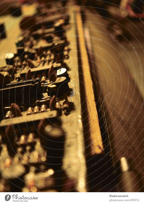 Beautiful Music Wood Computer Technology Keyboard Analog Musical instrument Dust Electronic Superior Pop music Microchip The eighties Organ