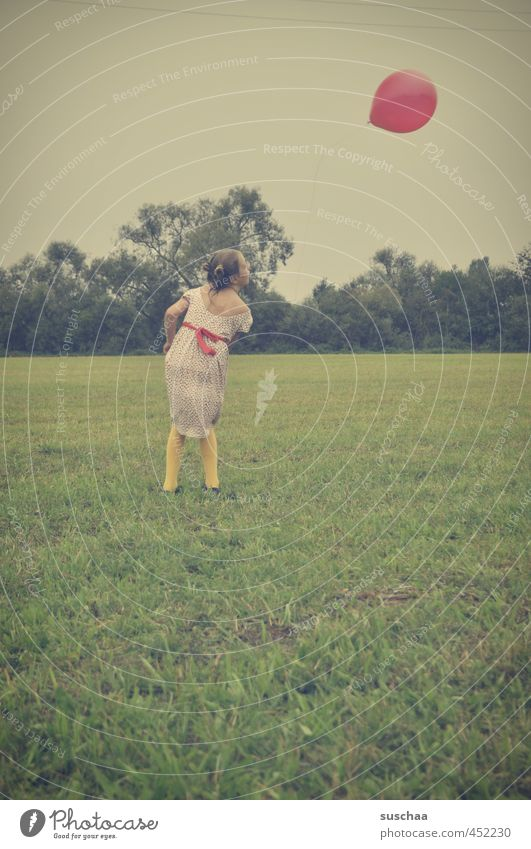 Let him fly. Feminine Child Girl Infancy 1 Human being 8 - 13 years Environment Sky Summer Grass Meadow Field Athletic Wild Balloon Retro Aviation Colour photo