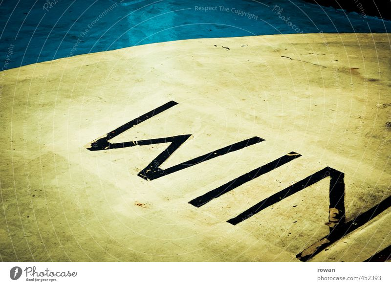 Blue Yellow Graffiti Success Signs and labeling Characters Circle Floor covering Round Competition Boast Capital letter