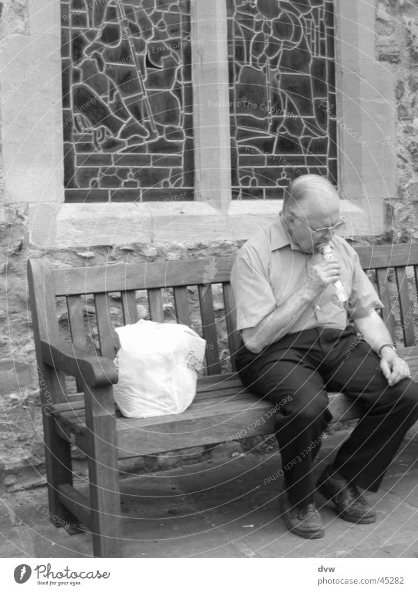 on the church bench Senior citizen England Still Life Calm Refreshment Man Male senior Bench Black & white photo rye Ice