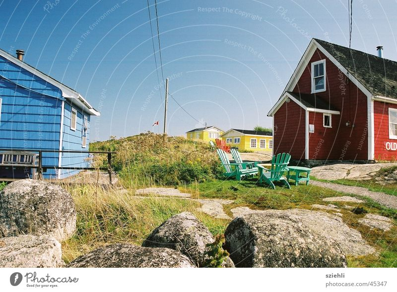 Nordic living House (Residential Structure) Red Yellow Blue Colour Vancouver Island Wooden house Deserted Blue sky Cloudless sky Clear sky Beautiful weather