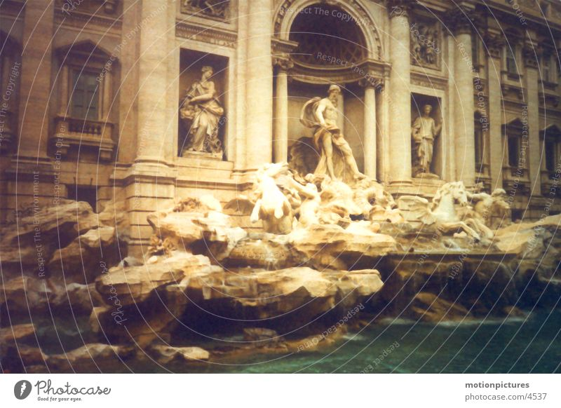 Rome Trip 2002 - Fontana di Trevi Trevi well Fountain Well Ancient Rome