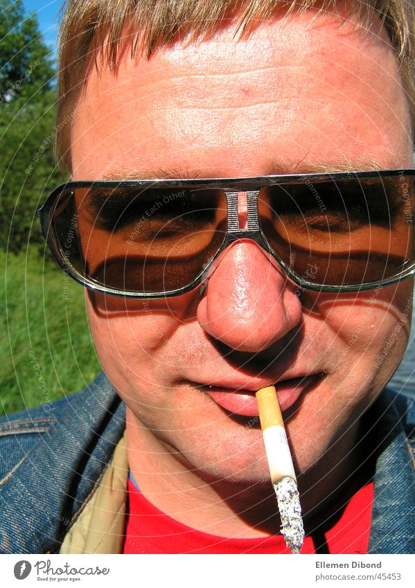 Man Sun Cigarette Sunglasses Seventies Phenomenon