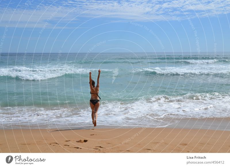 free as the wind - Australia - Sea Feminine Young woman Youth (Young adults) Life Body Skin Bottom 1 Human being 18 - 30 years Adults Water Sky Summer