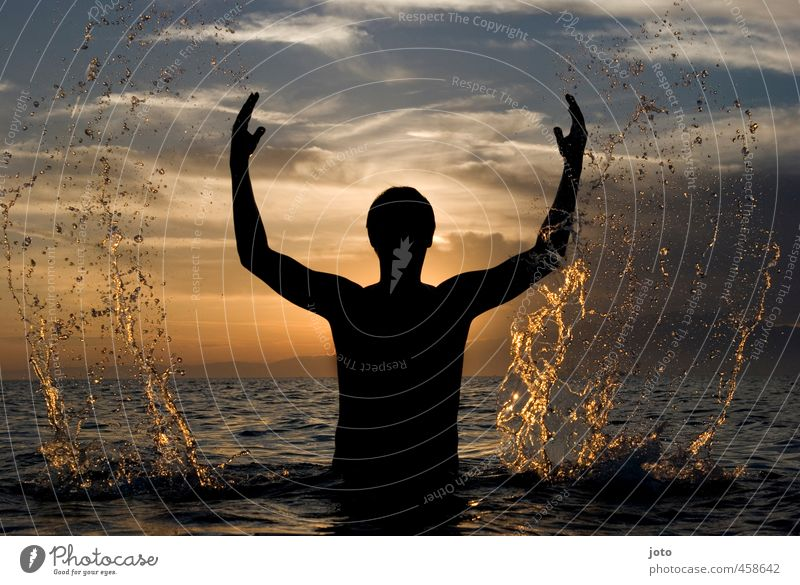 Human being Man Vacation & Travel Water Summer Ocean Joy Adults Life Leisure and hobbies Power Contentment Free Drops of water Force Might