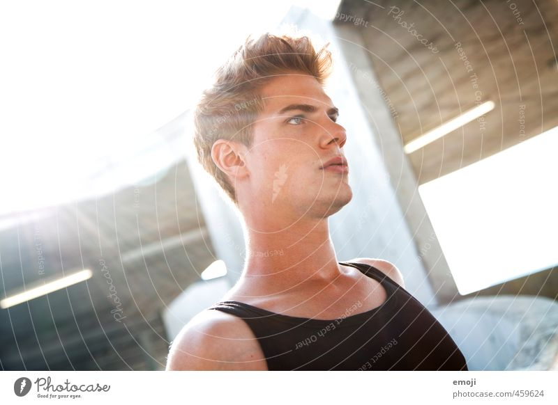 \ Masculine Young man Youth (Young adults) Face 1 Human being 18 - 30 years Adults Beautiful Colour photo Exterior shot Day Light Sunbeam Back-light