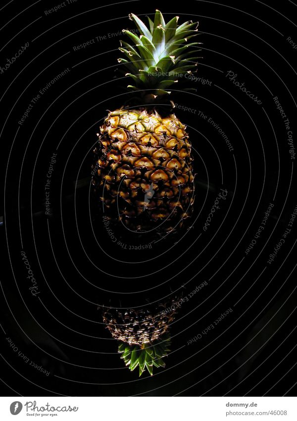 pineapple Oval Near and Middle East Green Brown Yellow Dark Mirror Black Light Growth Nutrition Sweet Pineapple spidery Fruit Glass Food Anger Rough
