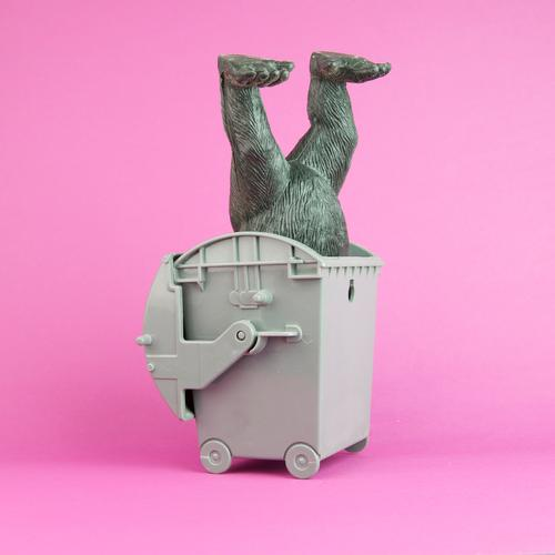 Animal Feet Art Pink Speed Toys Trash Statue Container Recycling Monkeys Trash container Gully Gorilla To plunge