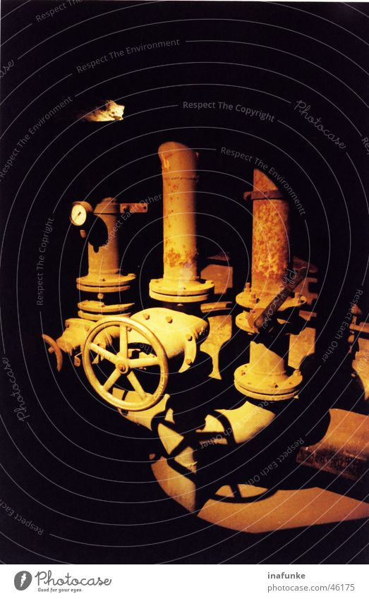 In the light Valve Light Craft (trade) Gold Industrial Photography Pipe