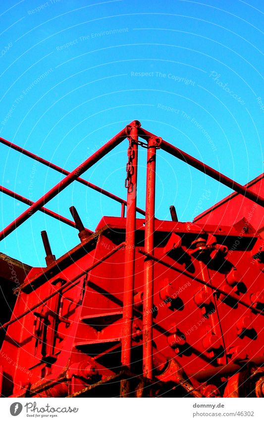 red Red Machinery Gravel Gravel plant Summer Rod Heavy Power Archaic Rust Decompose Shut down Work of art Sun Handrail HORSEPOWER