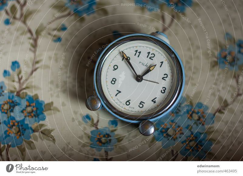 Blue Old Senior citizen Interior design Small Time Metal Clock Elegant Study Transience Digits and numbers Kitsch Serene Listening Nostalgia