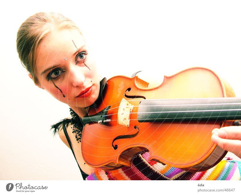Woman Face Playing Music Posture Jewellery Make-up Necklace Violin Wearing makeup