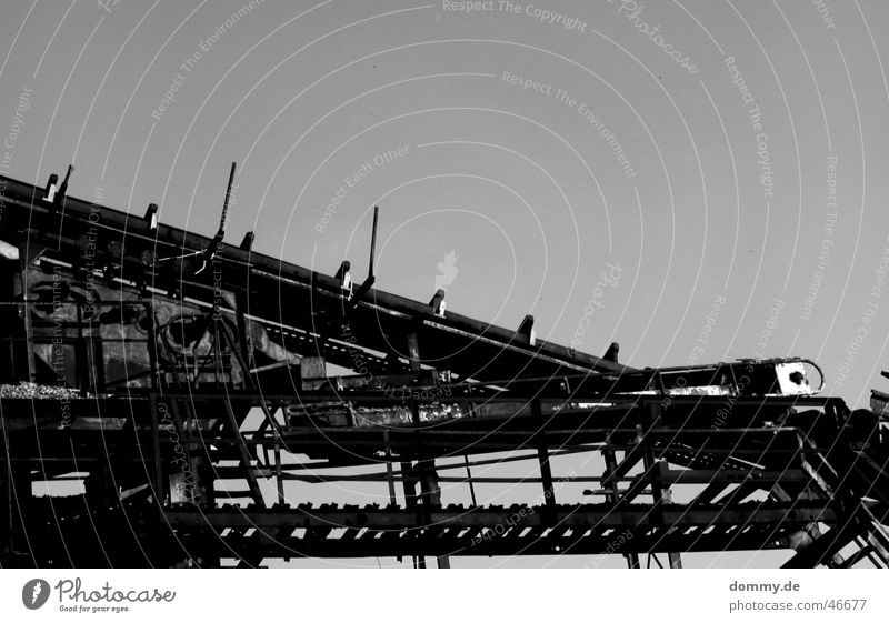 Old White Black Loneliness String Steel Pipe Rust Gravel Hose Progress Slide Work of art Works Platform
