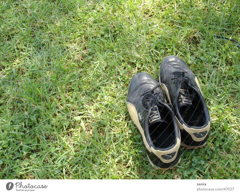 solitary Footwear Meadow Grass Green