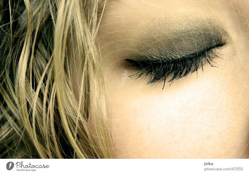 yoa ne... Hair and hairstyles Skin Face Make-up Mascara Eyes Blonde Curl Sleep Esthetic Beautiful Eyelash Eye shadow Complexion Cheek eye lashes eylash