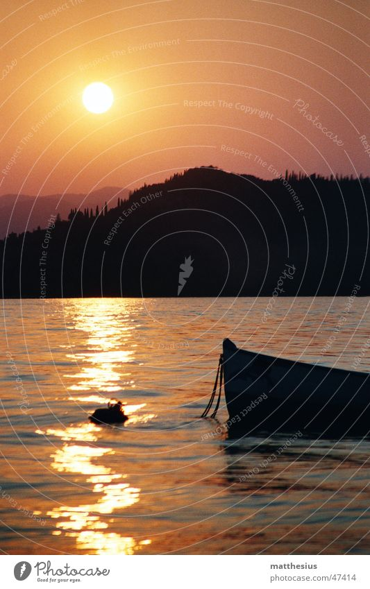 Sun Red Lake Warmth Watercraft Orange Romance Physics Fishing boat Lake Garda Bardolino