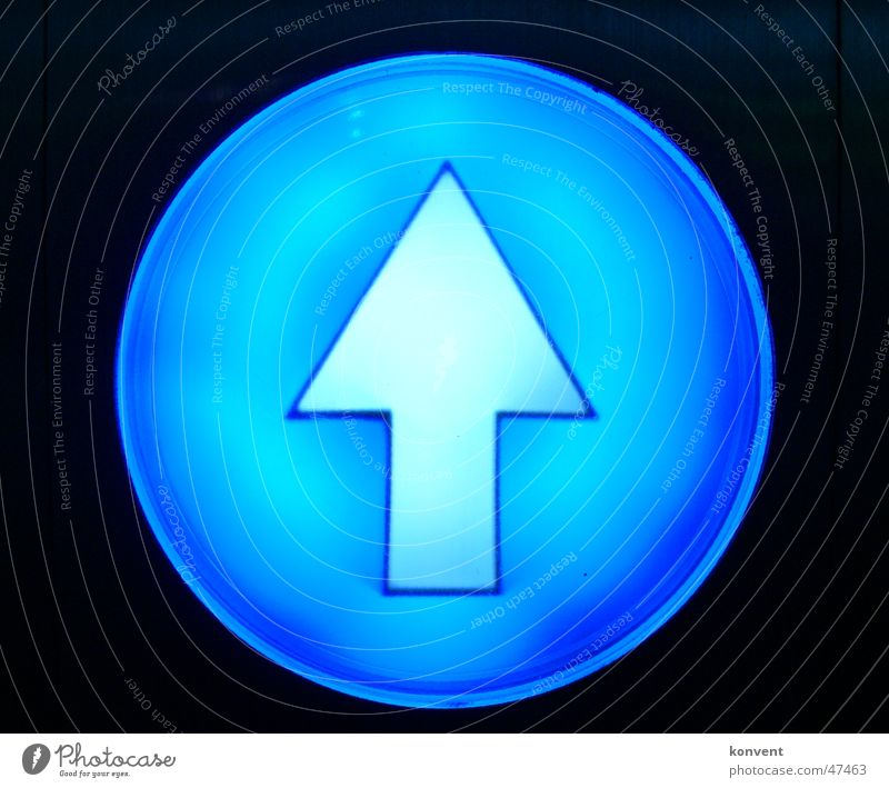 White Blue Black Line Signs and labeling Arrow Sign Signage Road marking Indicate Three-dimensional Laws and Regulations Yield sign