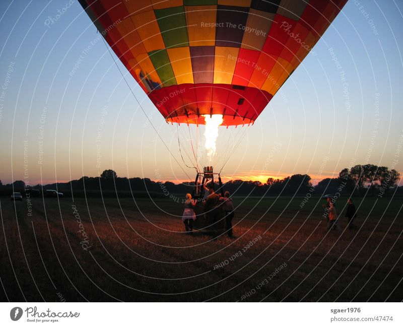 End of a balloon flight Basket Gas burner Driving Blaze Dusk Flying Hot Air Balloon Balloon flight